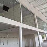 Divisórias de vidro para escritório da 2M Divisórias