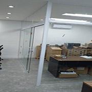 Venda com instalação de Divisórias de Vidros da 2M Divisórias